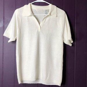 Medium short sleeve w/collar, off-white color.